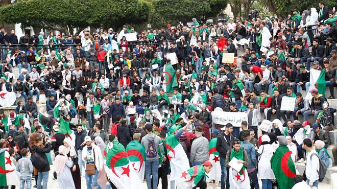 Contestations en Algérie: de nouvelles manifestations contre le Président prévues ce vendredi