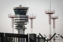 Les contrôleurs aériens suspendent leurs actions