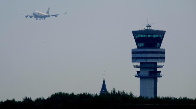Tensions sociales chez Skeyes: les contrôleurs aériens suspendent leurs actions