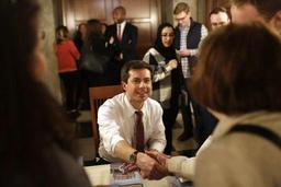 Le candidat à la Maison Blanche Buttigieg lève 7 millions de dollars en un trimestre
