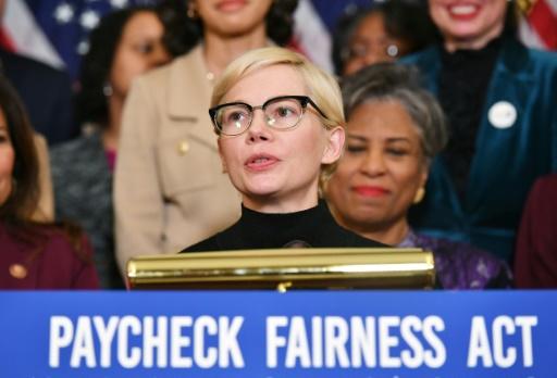 L'actrice américaine Michelle Williams au Capitole pour réclamer l'égalité salariale