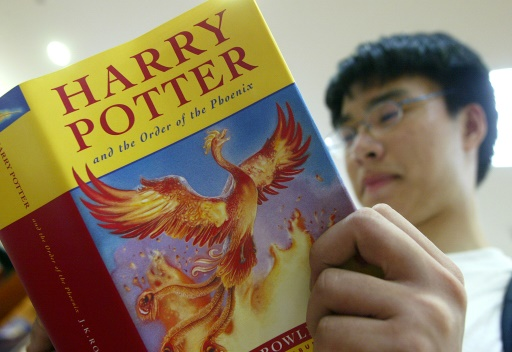 Excuses du prêtre responsable d'un autodafé de livres d'Harry Potter en Pologne
