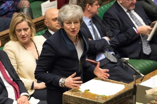 Brexit: efforts tous azimuts pour éviter un