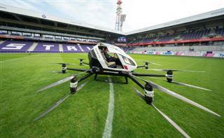 Première démonstration publique du taxi-drone chinois EHang, à Vienne