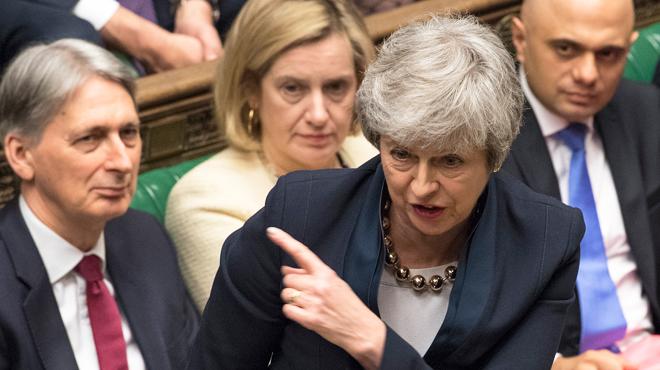 Brexit: Theresa May demande un report au 30 juin, Tusk lui suggère jusqu'à un an