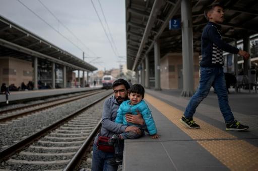 Des migrants bloquent la principale gare d'Athènes