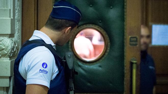 Un gang attaquait des magasins à la voiture-bélier avant d'écouler la marchandise en Roumanie: les peines sont tombées