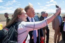 Trump martèle son message à la frontière mexicaine: