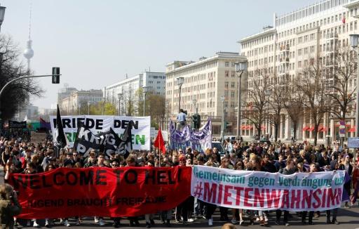 Des milliers de personnes manifestent à Berlin contre la