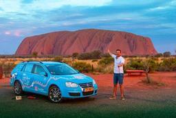 Après trois années de route en voiture électrique, un Néerlandais arrive à Sydney
