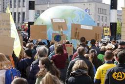 Jeudis pour le climat: de nombreux jeunes