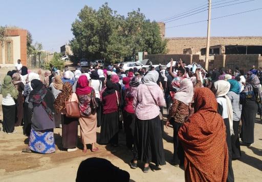 Soudan: des femmes et des médecins derrière la