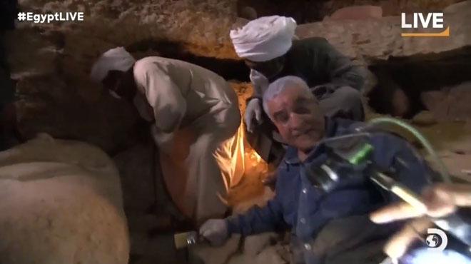 Un sarcophage égyptien de plus de 2.500 ans ouvert en direct à la télévision (vidéo)