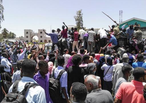 Soudan: coups de feu et gaz lacrymogène lors d'une manifestation à Khartoum