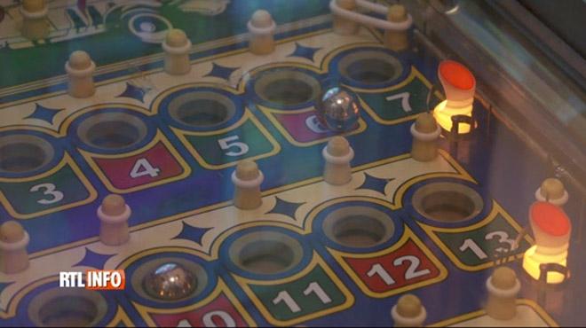 Les jeux de hasard dans les cafés belges de moins en moins accessibles: