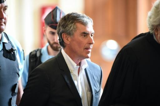 Jérôme Cahuzac, placé sous bracelet électronique, échappe à la prison