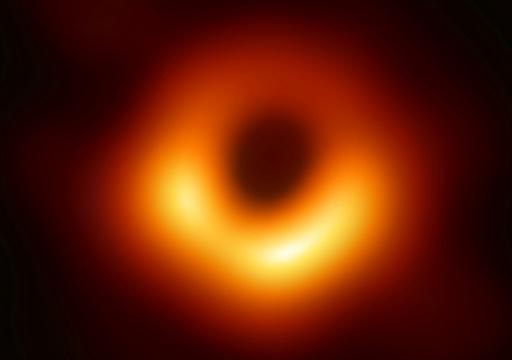 L'image d'un trou noir,