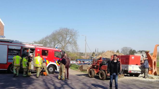 Beauvechain: une grue de chantier s'écrase sur une voiture qui passait à ce moment-là (photos)