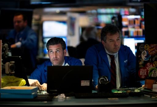 Wall Street hésitante en attendant la saison des résultats