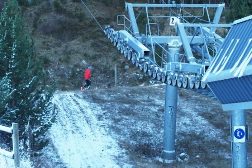 Pyrénées: fréquentation en baisse faute de neige en début de saison
