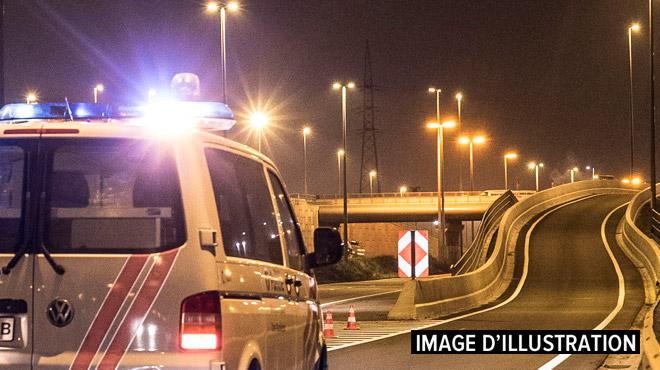 Une voiture en feu après un accident à Athus: le passager a perdu la vie