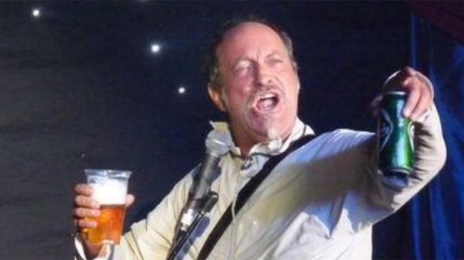 L'humoriste Ian Cognito meurt sur scène sous les rires du public: