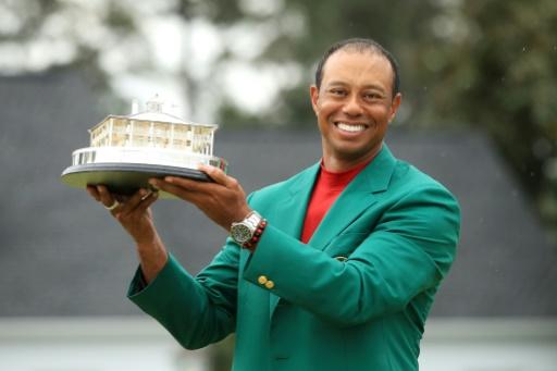 Golf: Tiger Woods remporte le Masters d'Augusta, son 15e titre du Grand Chelem