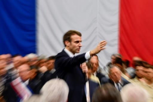 Macron reporte son allocution à cause de l'incendie de Notre-Dame