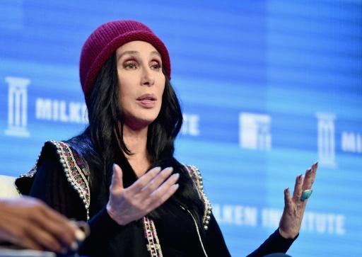 Trump applaudit la sortie de la chanteuse Cher sur l'immigration