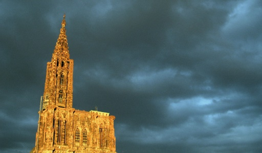 A Strasbourg, le grand bourdon de la cathédrale a sonné pour Paris