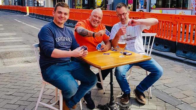 De gros travaux commencent à Dinant, de nombreuses rues inaccessibles au trafic: les commerçants veulent garder le sourire