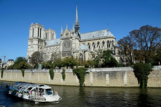 Le coq de la flèche de Notre-Dame de Paris retrouvé