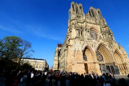 18H50 : les cloches résonnent à l'unisson pour Notre-Dame de Paris