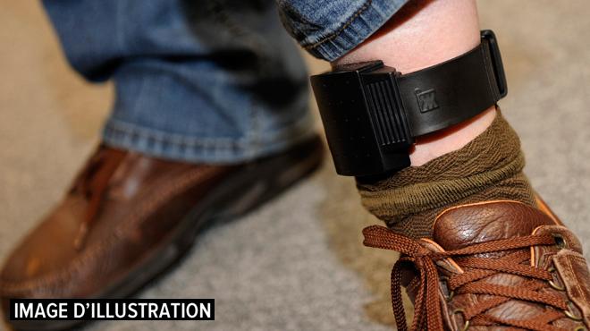 Le bracelet électronique plus automatique pour les peines de prison jusqu'à 3 ans: quels sont les risques de cette nouvelle loi?