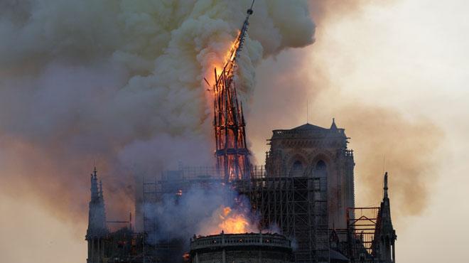 La flèche de Notre-Dame reconstruite à l'identique? Le lancement d'un concours ENFLAMME les esprits