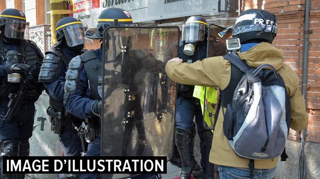 Des journalistes arrêtés durant l'acte 23 des gilets jaunes: plusieurs reporters affirment quant à eux subir des violences policières