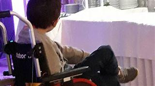 On a volé la chaise roulante du fils d'Elodie à Roux- la maman nous a téléphoné pour annoncer une bonne nouvelle! 5