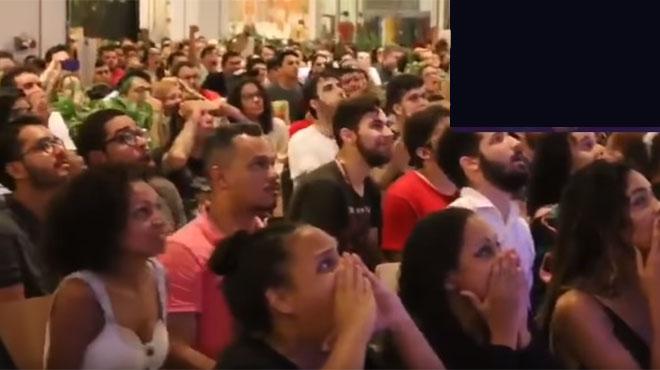 Une foule en DÉLIRE dans un centre commercial au Brésil en découvrant cette scène de la nouvelle saison de Game of Thrones (SPOILER)