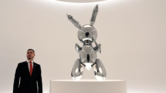 Vous ne devinerez jamais à quel montant ce lapin de Jeff Koons a été adjugé