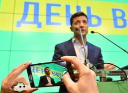 Zelensky investi président lundi en Ukraine