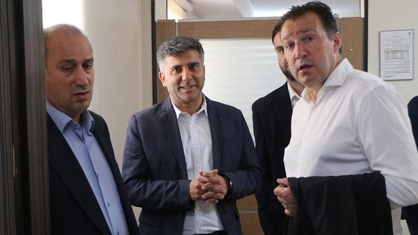 La signature de Wilmots à la tête de la sélection iranienne retardée: Voici la raison