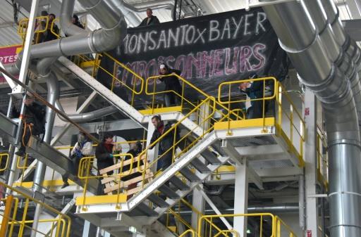 Monsanto: des militants anti-OGM investissent une usine à Trèbes