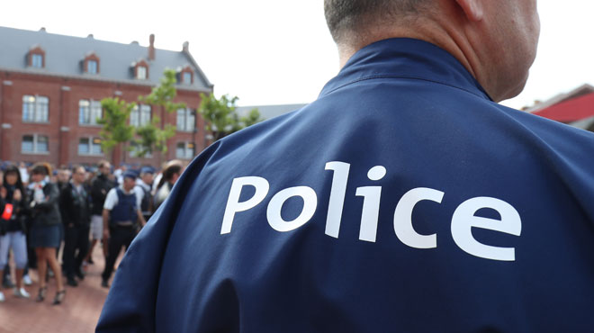 La police arrête deux vendeurs présumés de drogue à Liège