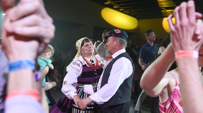 La mazurka revient à la mode: cette danse traditionnelle renaît de ses cendres