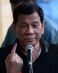Élections philippines- Duterte consolide son pouvoir en prenant le contrôle du Sénat