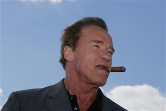 Beverly Hills veut interdire la vente de tabac... sauf aux bars à cigares