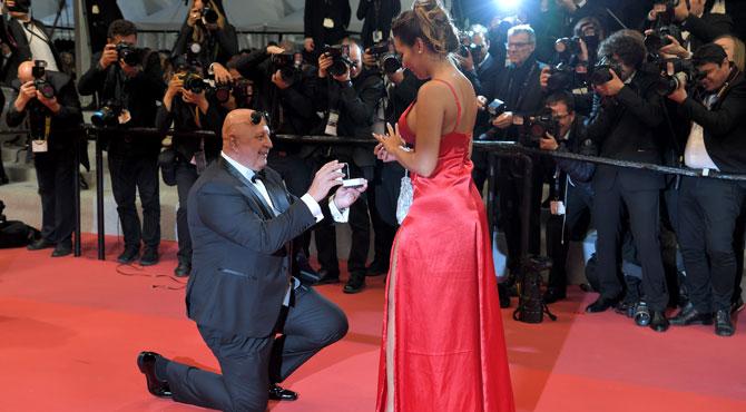 Demande en mariage surprise au festival de Cannes: même la mariée ne l'avait pas vu venir