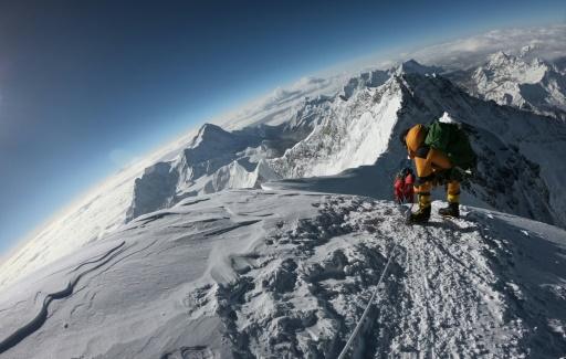 Deux nouveaux alpinistes morts sur l'Everest