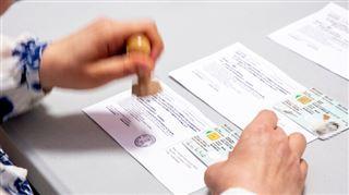 Vous avez voté ce matin- ne jetez SURTOUT pas votre convocation électorale! 5