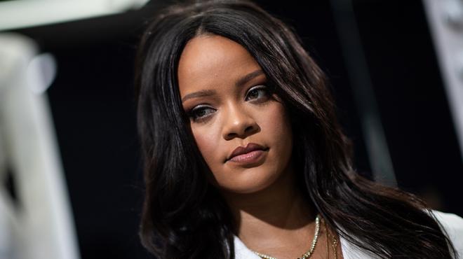 Les fans de Rihanna CHOQUÉS d'apprendre qu'ils prononcent mal le nom de leur chanteuse préférée depuis des années (vidéo)